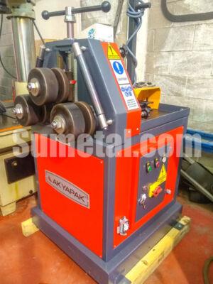 Curvadora de perfiles akyapak diametro ejes 50mm